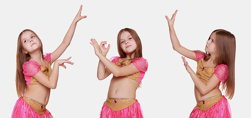Девочка танцует восточный танец