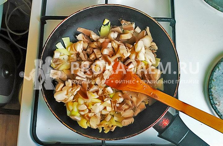 начинка из грибов и лука