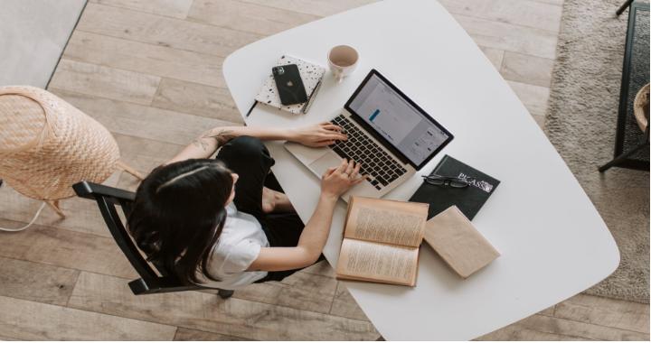 Как изучать английский на работе?